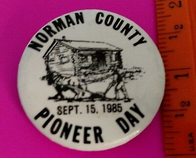 """Norman County MN 1985 Pioneer Day Pin Pinback Button 1 3/4"""" cabin and horse"""