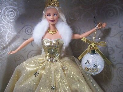 Mattel Special 2000 Edition ~ Celebration Barbie ~ Christmas Holiday Edition New