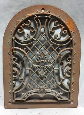 One Antique Arched Top Heat Grate Grill Maltese Cross Gothic Arch 9X12 650-18C