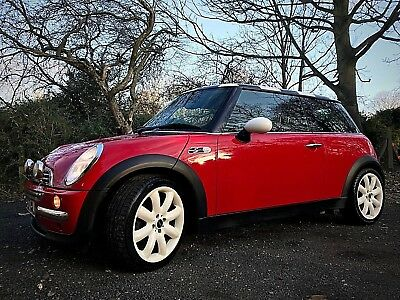 Red Mini Cooper 1.6 Hatch, 18 inch Cooper S wheels, chequered roof