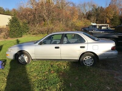 """1993 Toyota Camry  93 Camry """"Parts or project"""" (bad coolant leak)"""