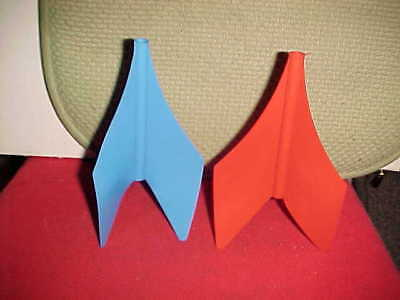 2 Rare Vintage Jarts Outdoor Lawn Game Plastic Fins Blue and Red