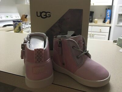 Baby Ugg Boots Size 4/5 US 12-18 Mths Girls