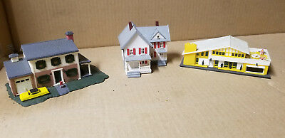 Lot of 3 Bachmann N Scale Houses.