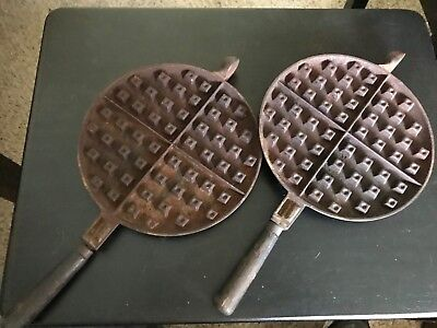 VINTAGE / ANTIQUE 1910 WAGNER WARE No. 8 CAST IRON WAFFLE MAKER IRON GRIDDLE