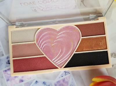 """MAKEUP REVOLUTION """"LOVE CONQUERS ALL"""" Highlighter Pink HEART Eyeshadow PALETTE"""