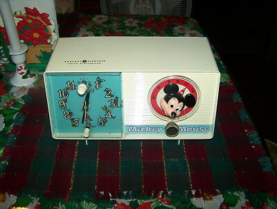 VINTAGE GENERAL ELECTRIC YOUTH MICKEY MOUSE CLOCK RADIO 1960s Nice AM WORKS !