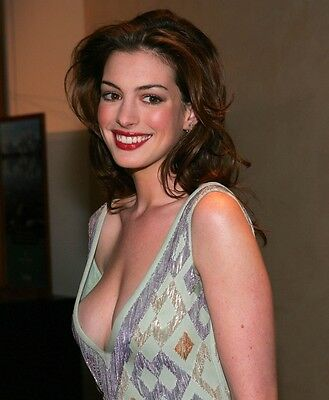 "Anne Hathaway in a 8"" x 10"" Glossy Photo 12"