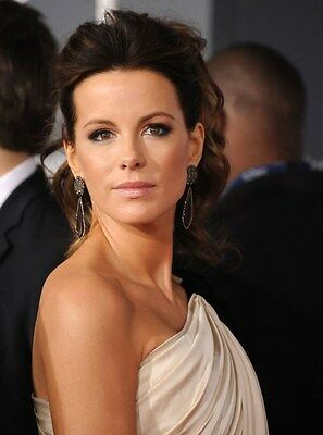 "Kate Beckinsale in a 8"" x 10"" Glossy Photo df5"