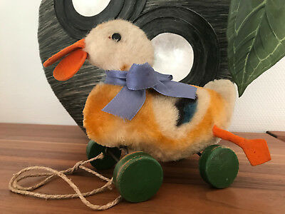 Steiff Piep Ente auf Exzenter Rädern QUACKING Duck on wheels, wie 2314,2 ex alt