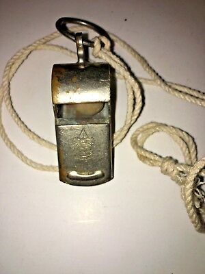 VINTAGE BSA BOY SCOUTS OF AMERICA WHISTLE - Free Shipping - M34-6