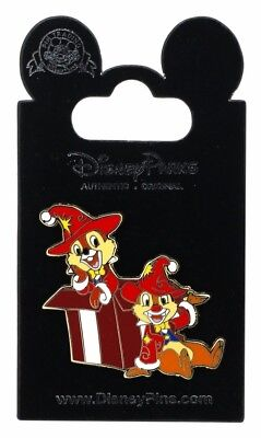 2012 Disney DLP Chip And Dale Wearing Christmas Clothes Pin With Packing Rare W8