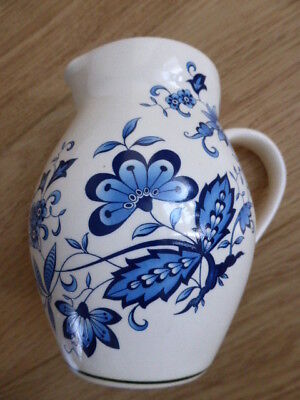 VINTAGE BRIXHAM POTTERY JUG,BLUE & WHITE,FLOWERS,KITCHEN,MILK,JUICE,TABLE,vase