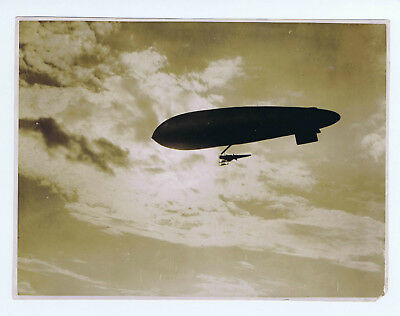 AIRSHIP Official Photograph WW1 S6a Scout SS Class & BE2C AEROPLANE as Gondola !