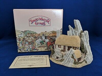 1986 Hand Painted CROFTERS COTTAGE by David Winter Made in Great Britain