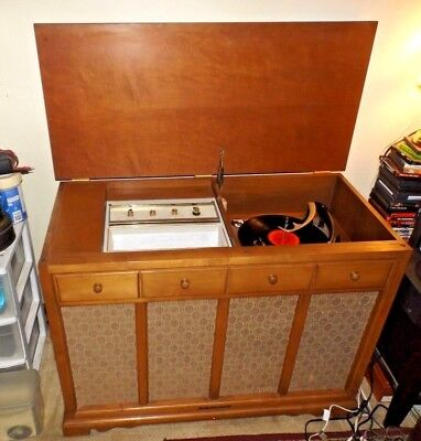 Vintage 1962 Stromberg-Carlson Mid Century Tube Amp Console Record Player Phono