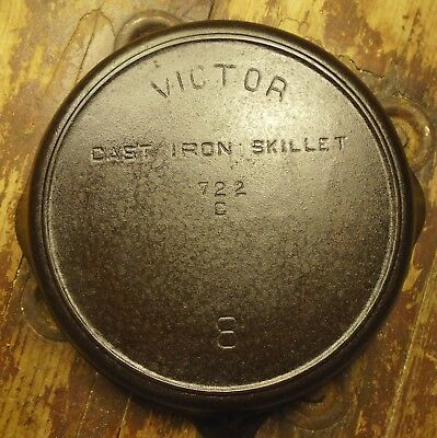 Antique Victor Griswold No8 Cast Iron Skillet Fry Pan USA 722C Heat Ring Vintage