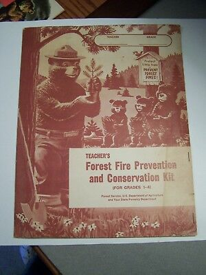 1966 Teacher's SMOKEY BEAR Forest Fire Prevention & Conservation Kit Folder