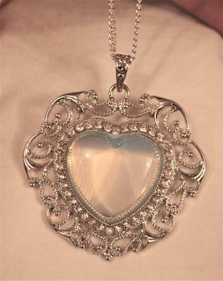 Lacy Swirled Heart Rhinestones Rim Clear Opalescent Natural Stone Necklace