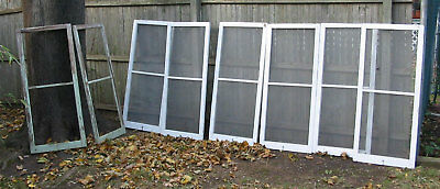 1 SALVAGE VINTAGE ANTIQUE 1929 SCREENED WINDOW or LOT OF 6. Pick up only.