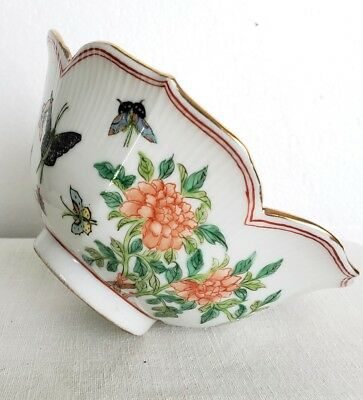 Porcelain Qing ? Chinese Japanese? Butterfly China vintage antique
