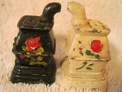 Collectible/vintage Metal Stove Salt and Pepper Shakers