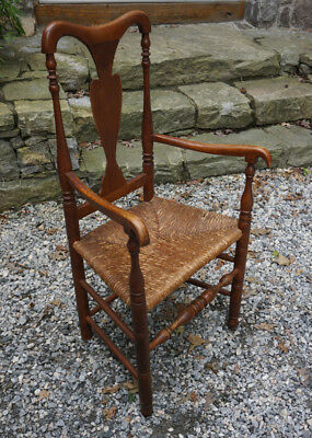 ANTIQUE EARLY AMERICAN Queen Anne Fiddle Back Arm Chair With