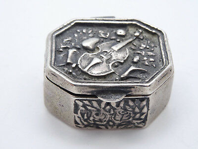 ANTIQUE ORNATE VIOLIN EMBOSSED STERLING SILVER SNUFF PILL BOX ~ 22g