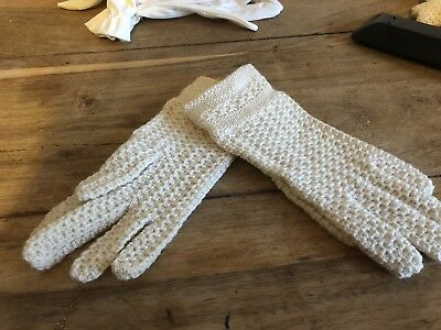 Childrens Vintage Cream Wool Knit Deadstock Gloves Never Worn!