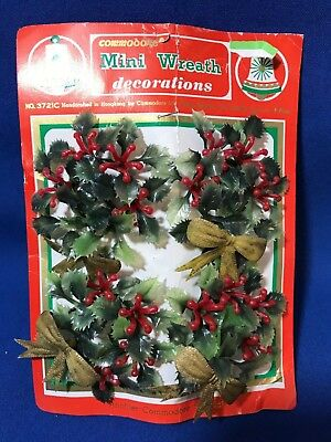 NOS Vintage Commodore Plastic Mini Christmas Wreath Decorations New In Pack
