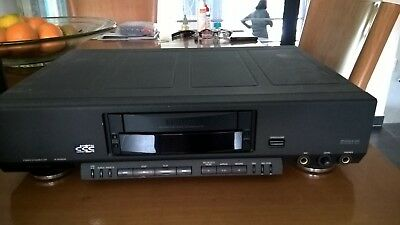 PHILIPS DCC 951  18 bit machine- tested - top condition with cables and book