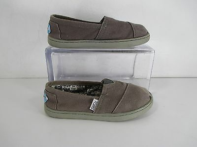 1b133c38ce9 TOMS YOUTH CLASSIC Canvas Slip On Shoes Gray Sz Y13 -  7.99