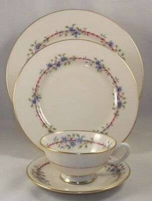 Lenox BELVIDERE 4 Piece Place Setting S-314 GREAT CONDITION