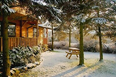1 Night Winter Midweek Break in Log Cabin with Hot-Tub at Rocklands Lodges