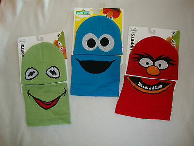 Sesame Street / Muppets  Knit Toque & Neck Warmer 2 Piece Nwt Fits 2-6X