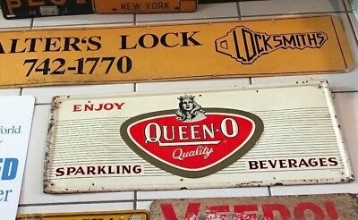 RARE VINTAGE 1930s QUEEN O QUALITY SODA SIGN Famous Loganberry from Buffalo NY