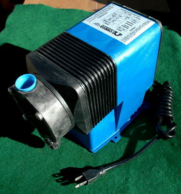 Omega Engineering PHP-300 Electronic Metering Pump