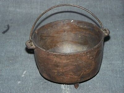 Wagner Ware-Sidney-Toy cast iron, 3 footed Kettle w/wire Bail Handle