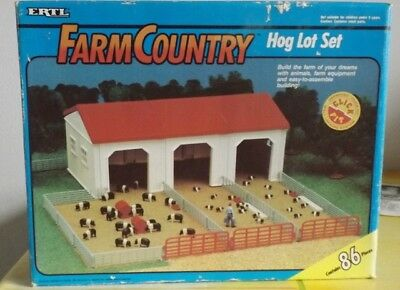 Ertl  Farm Country   Hog Lot Set       Schweinehof