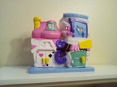 DISNEY DOORABLES  Alice in Wonderland Playset MAD HATTER'S TEA SHOP
