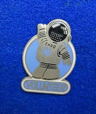 Old 1986 Vancouver Expo 86 World's Fair Ernie Astronaut VOLUNTEER Lapel Pin z3