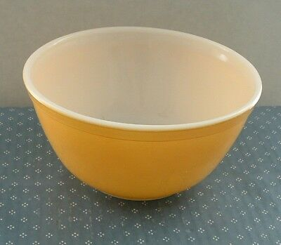 Vintage Pyrex 402 1 1/2 Qt. Mixing Bowl - Primary Colors Design