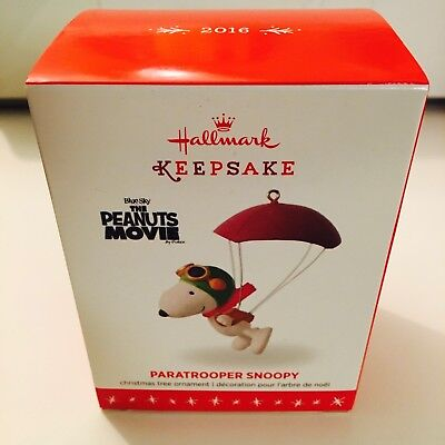 2016 Hallmark Peanuts Ornament Paratrooper Snoopy Flying Ace Parachute NIB