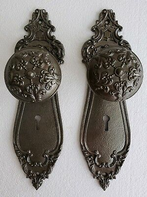 Quality Pair Of Antique Cast Iron Steel Doorknobs And Back Plates Cleaned  (Eb2)