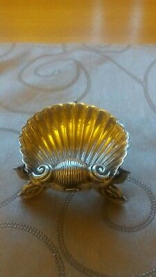 ANTIQUE  SILVER SHELL SHAPED SWEETMEAT TRINKLET 33g  FISH SHAPED FEET