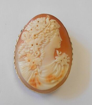 Large Vintage 14k Gold Finely Carved Grape Leaves Woman Cameo Brooch Pendant