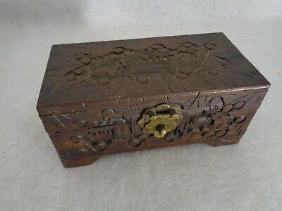 Vintage Hand Carved Camphor Jewelry Box Made in China (Cat.#2B040)