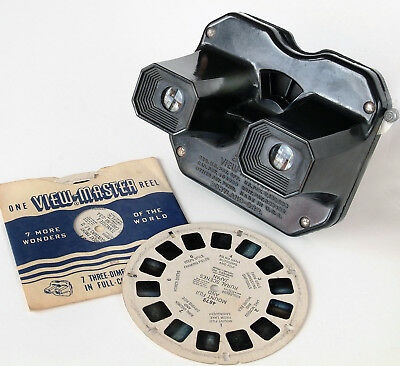 View-Master Stereo Viewer 1940s - with two reels