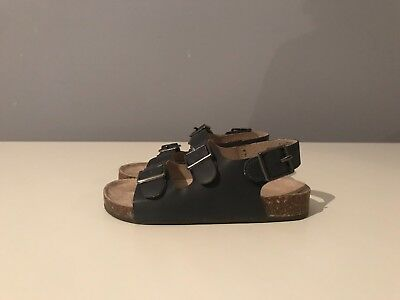 6b88481a0936 OLD NAVY FAUX-LEATHER Buckled Strap Sandals For Toddler Boys Size 7 ...