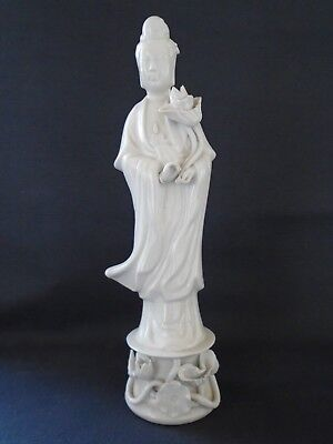 Vintage 'Blanc de chine' Fig. of Guanyin, 31cm high. With chip to finger only.